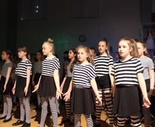 Cropped chorus